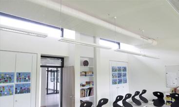 Integrierte Luftleitungssysteme von m+a für Schulen und Kitas