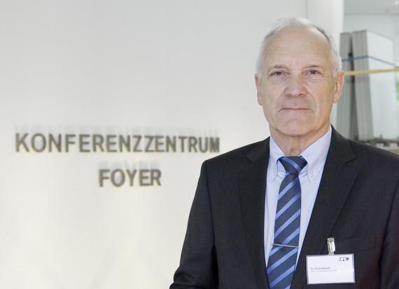 Dr. Erich Rippert, Vorstandsvorsitzender des Ausschusses